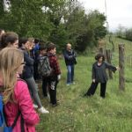 Secondary school students in a spring visit to the vineyard